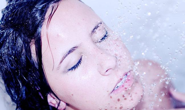 洗脸的正确方法:三大注意要点,七个标准步骤