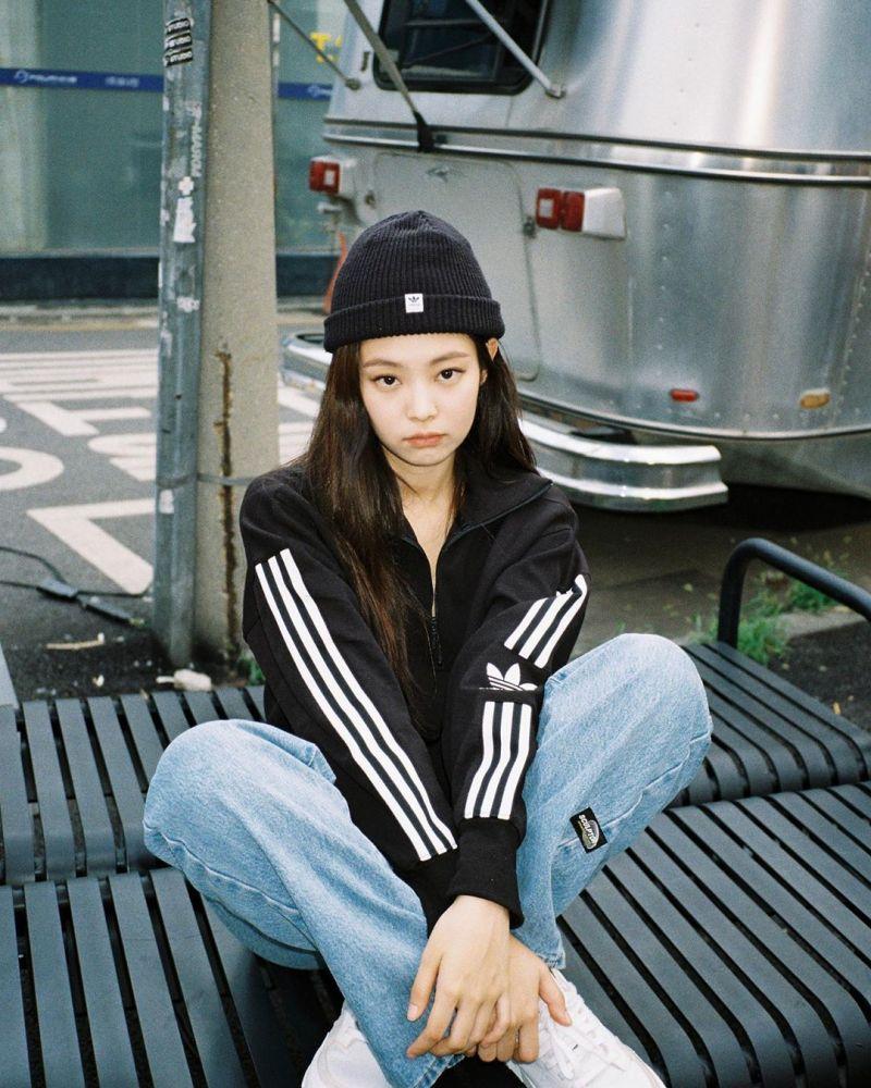【韩星穿搭】秋冬帽子穿搭提案,用画家帽和报童帽戴出知性时尚魅力!