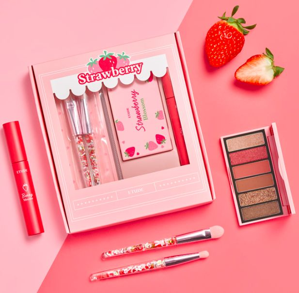 韩国Etude House X Olive Young 推出限量「草莓彩妆系列」!粉嫩百