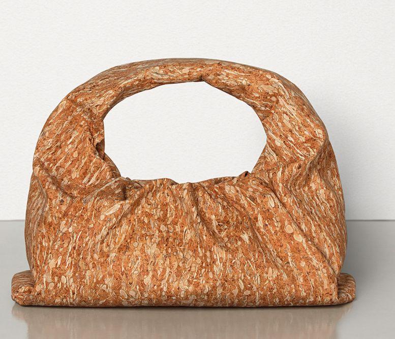 推荐6款防水系名牌手袋!无惧恶劣天气,时刻保持时尚又优雅的夏日造型!