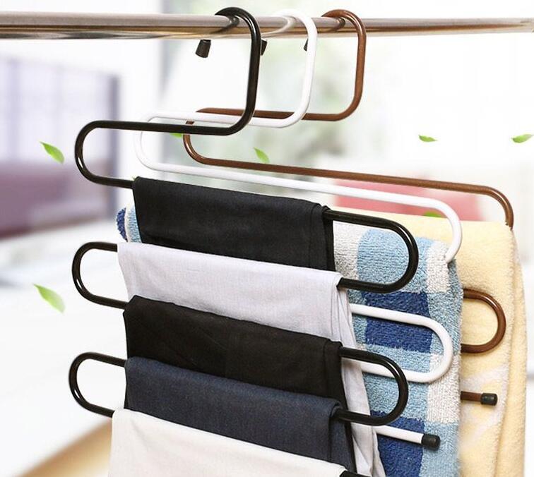 衣架收纳衣物方法,常见4种衣架选对让衣柜空间倍增!