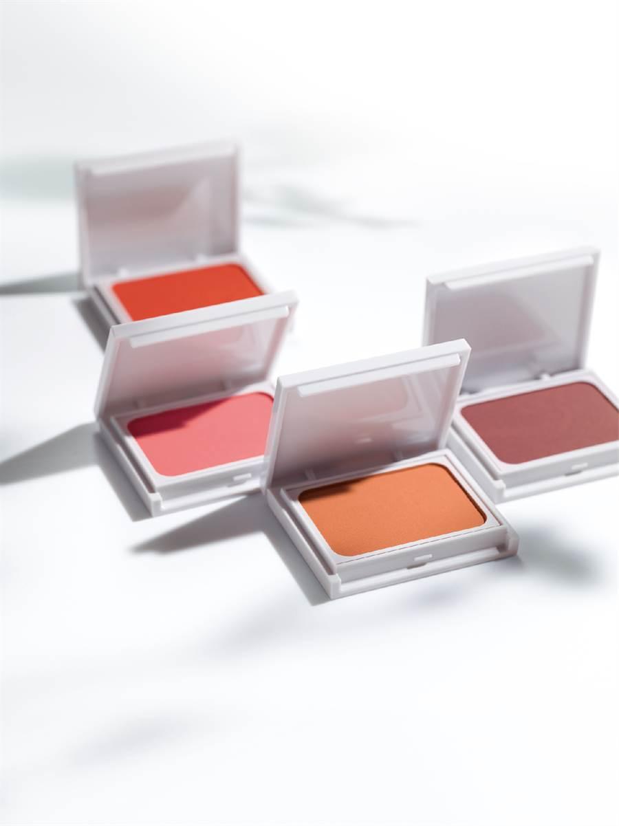 丝绒微光腮红为数量限定彩妆。